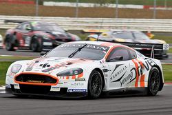 #8 Young Driver AMR Aston Martin DBR9 GT1: Stefan Mücke, Darren Turner