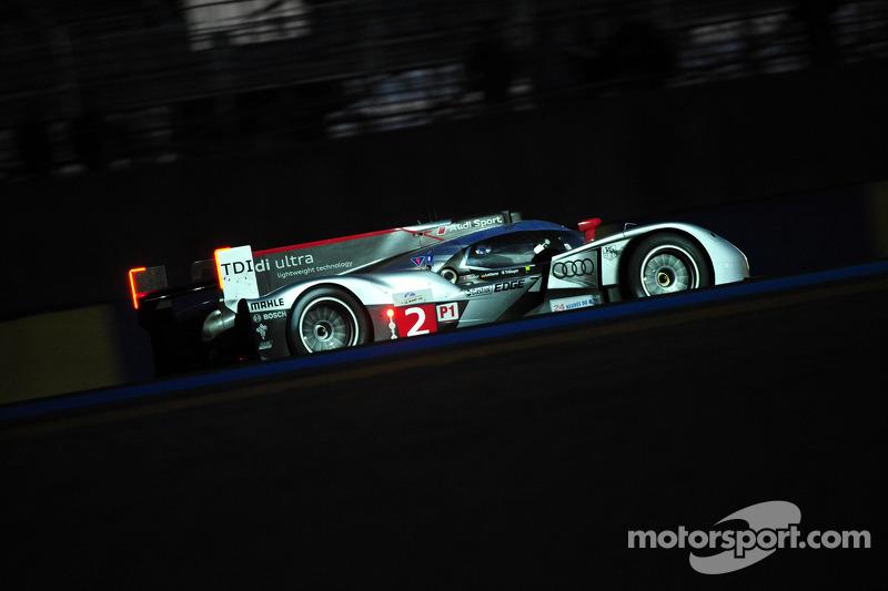 L'Audi R18 TDI N°2 (Marcel Faessler, Andre Lotterer, Benoit Treluyer)