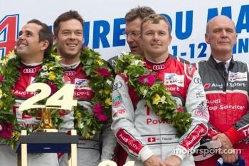LMP1 podium: class and overall winners Marcel Fässler, André Lotterer and Benoit Tréluyer with Ralf Juttner and Dr. Wolfgang Ullrich