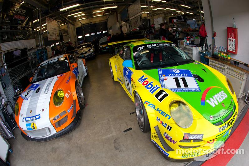 #11 Manthey Racing Porsche 911 GT3 R and #9 Porsche Team Manthey Porsche 911 GT3 R