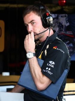 Lotus Renault GP engineer