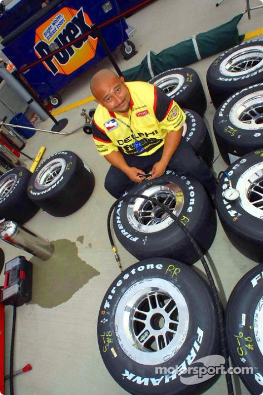 Kelly Racing crew member