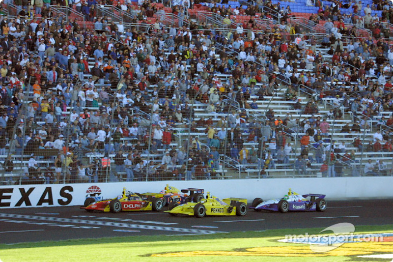 Scott Sharp, Sam Hornish Jr. and Robbie Buhl fighting for the lead