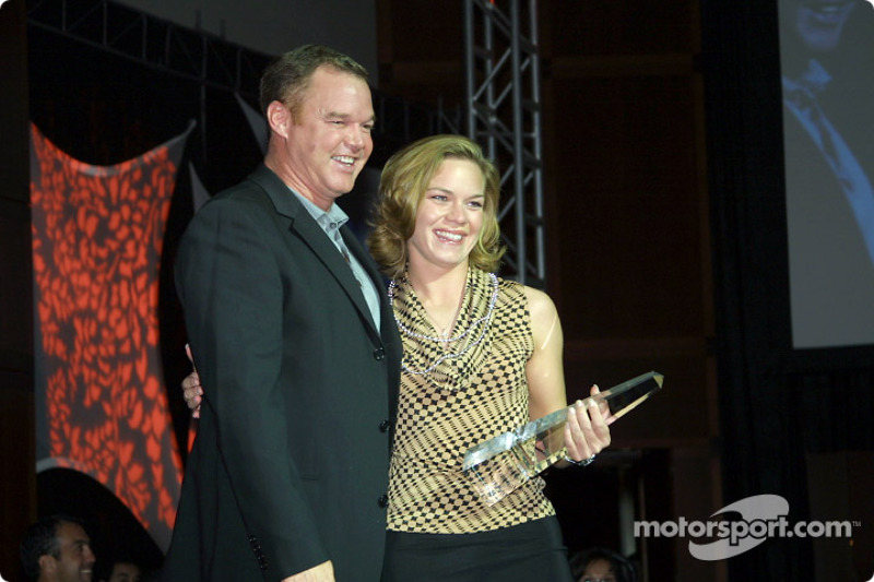 Al Unser Jr. presented the IRL Crew Most Popular Driver Award to Sarah Fisher