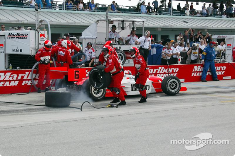Gil de Ferran leaving the pits