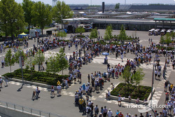 The opening ceremonies of the 86th running of the Indy 500 began with an autograph session
