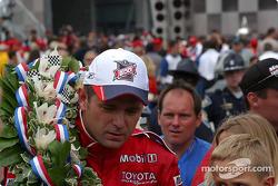 Victory lap for race winner Gil de Ferran