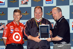 Ganassi-Microsoft press conference: Ganassi lead R&D engineer Mark Paxton, Chip Ganassi and Microsoft's Dan Leach demonstrate usage of the Tablet PC with Windows XP Tablet PC Edition