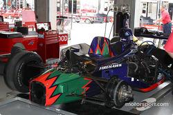 Mo Nunn Racing garaje