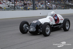 Vintage racers: 1950 Bowes Seal Fast Special #55