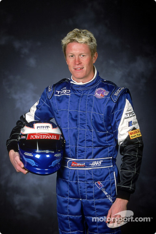 Scott Dixon in 2001, his first season in CART Indy car racing. He would finish eighth in the points race for PacWest that year.