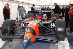 Inspección al Mo Nunn Racing