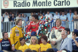 Podyum: 1. Mario Andretti, Team Lotus Ford, 2. Ronnie Peterson, Team Lotus Ford, 3. James Hunt, McLaren Ford