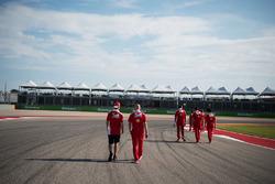 Sebastian Vettel, Ferrari walks the circuit with Jock Clear, Ferrari Engineering Director