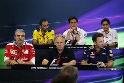 Cyril Abiteboul, Renault Sport F1 Toto Wolff, Mercedes AMG F1; Monisha Kaltenborn, Sauber; Maurizio Arrivabene, Ferrari; Gene Haas, Haas Automotion; Christian Horner, Red Bull Racing