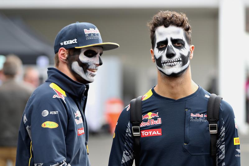 Daniel Ricciardo, Red Bull Racing y Max Verstappen, Red Bull Racing llegan al circuito pintados como catrinos del Dia de Muertos