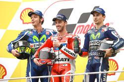 Podium: racewinnaar Andrea Dovizioso, Ducati Team, tweed plaats Valentino Rossi, Yamaha Factory Racing, derde plaats, Jorge Lorenzo, Yamaha Factory Racing