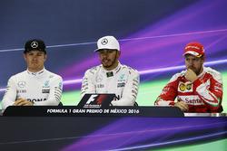 Нико Росберг, Mercedes AMG F1, Льюис Хэмилтон, Mercedes AMG F1, Себастьян Феттель, Ferrari