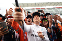 Nico Rosberg, Mercedes AMG F1 with fans