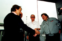 Лука ди Монтедземоло, Ferrari, и Норберт Хауг, Mercedes