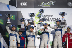 Podium GTE: Race winner #67 Ford Chip Ganassi Racing Team UK Ford GT: Andy Priaulx, Harry Tincknell; second place #66 Ford Chip Ganassi Racing Team UK Ford GT: Olivier Pla, Stefan Mücke