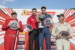 Trofeo Pirelli Am podyum: 1.  Marc Muzzo, 2.  James Weiland, 3. Steve Johnson