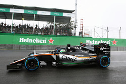 Nico Hulkenberg, Sahara Force India F1 VJM09, Jenson Button, McLaren MP4-31