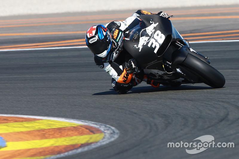 Bradley Smith testa pela KTM Factory Racing