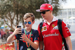 Kimi Raikkonen, Ferrari with a young fan