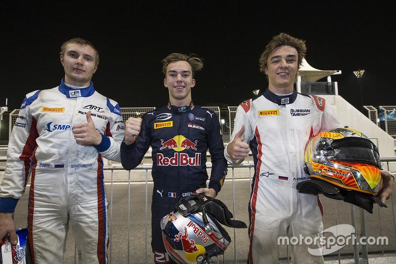 Ganador de la pole Pierre Gasly, PREMA Racing, sgundo puesto Sergey Sirotkin, ART Grand Prix & tercero Artem Markelov, RUSSIAN TIME