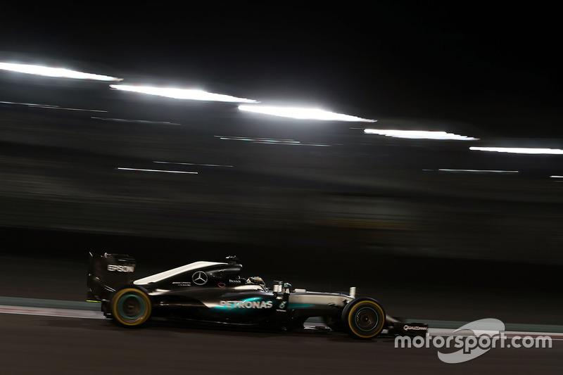 1º Lewis Hamilton, Mercedes AMG F1 W07 Hybrid