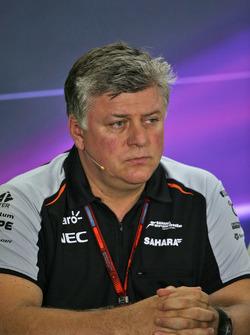 Otmar Szafnauer, Sahara Force India F1 jefe operativo en la Conferencia de prensa FIA