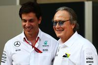 Тото Вольфф, акціонер та виконавчий директор Mercedes AMG F1 та Мансур Ожжен, акціонер McLaren