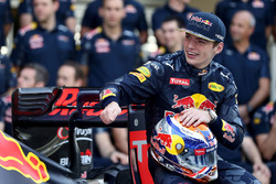 Max Verstappen, Red Bull Racing op een teamfoto