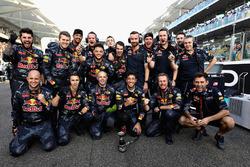 Mechaniker von Red Bull Racing Daniel Ricciardo, Red Bull Racing in der Startaufstellung