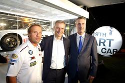 Bill Auberlen; Jens Marquardt, BMW Motorsporları Direktörü; Ed Bennett, IMSA Direktörü