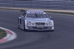 Bernd Schneider ve Klaus Ludwig, yeni Mercedes CLK, HWA AG'yi test ediyor