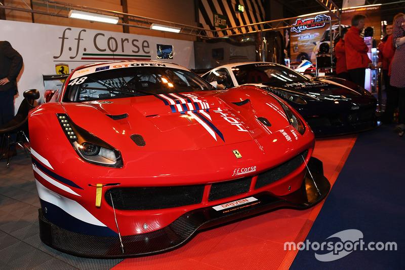 FF Corse had een aantal Ferrari's meegenomen