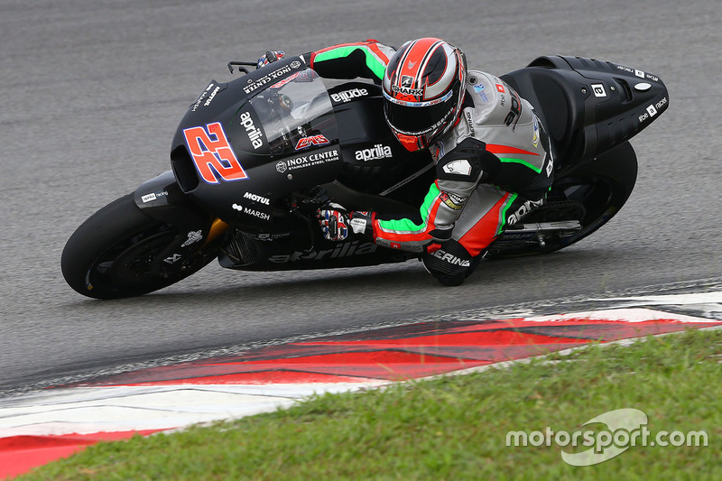 23º Sam Lowes (Aprilia Racing) 2:01.341 a 1.973