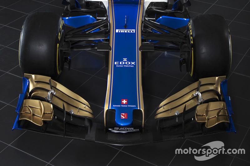 Sauber C36 voorvleugel detail