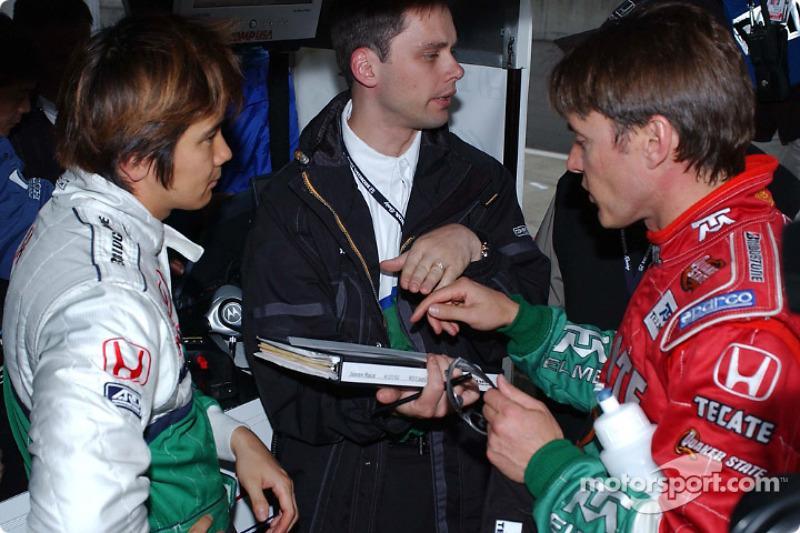 Shinji Nakano and Adrian Fernandez trading notes