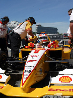 Jimmy Vasser getting out of his car