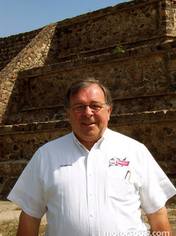 Visit at Teotihuacan pyramids: Father Phil