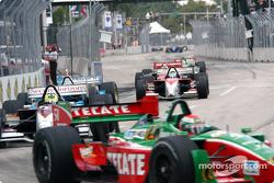 Start: Adrian Fernandez leads Bruno Junqueira