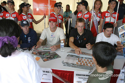 Autograph session: Mario Haberfeld, Ryan Hunter-Reay, Sébastien Bourdais and Patrick Carpentier