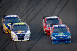 Casey Mears, Germain Racing Toyota, Landon Cassill, Chevrolet, David Reutimann, Michael Waltrip Racing Toyota, Martin Truex Jr., Michael Waltrip Racing Toyota
