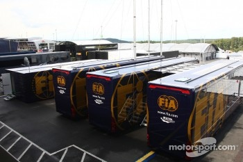 Teams want more staff allowed on the circuit