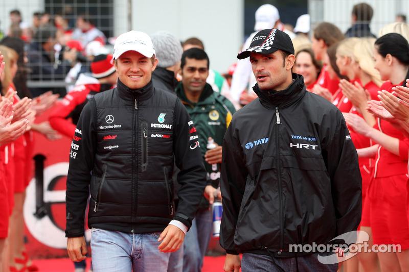Nico Rosberg, Mercedes GP F1 Team, Vitantonio Liuzzi, HRT Formula One Team
