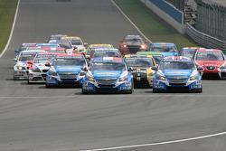 Race start action