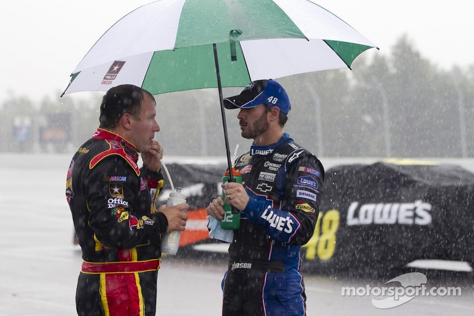 Ryan Newman, Stewart-Haas Racing Chevrolet and Jimmie Johnson, Hendrick Motorsports Chevrolet talk during a red flag due to rain